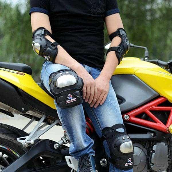 bó gối moto