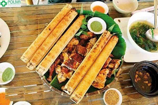 Cơm lam gà nướng là đặc sản của quán cơm Tuyết Hoa