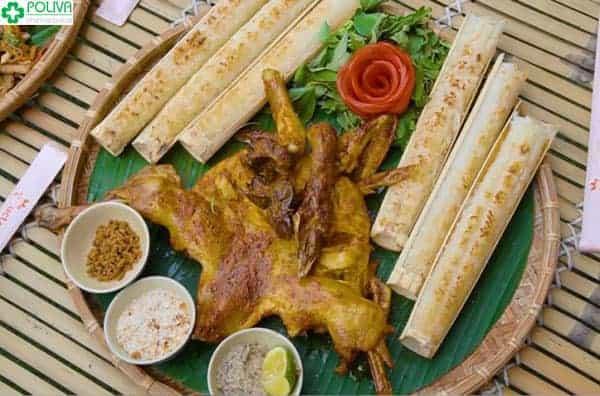 Thảo Nguyên Quán nổi tiếng với món gà nướng cơm lam giá rẻ